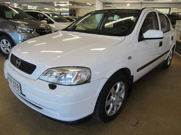 Opel Astra 1,7 DT Club 5d